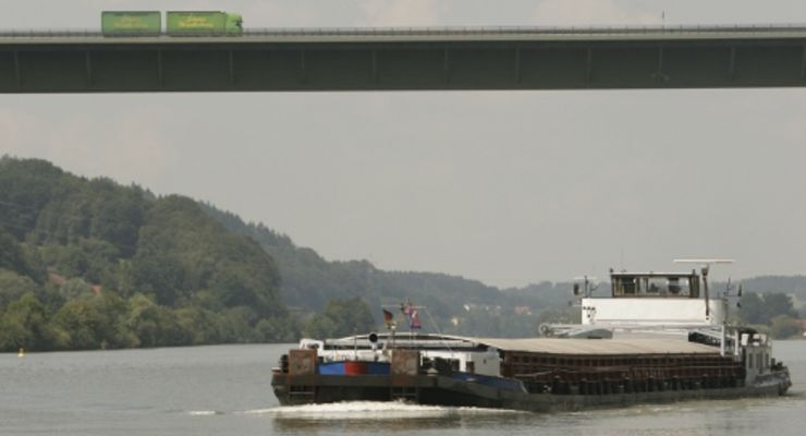2009 führt Güterschifffahrt in die Krise