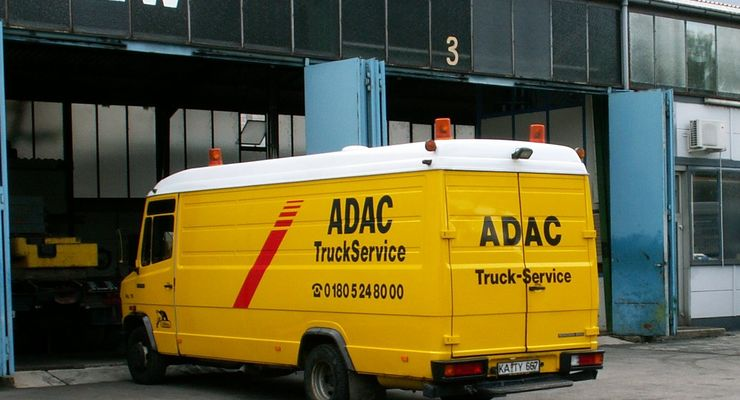 adac truck service lkw schneller flott machen eurotransport. Black Bedroom Furniture Sets. Home Design Ideas