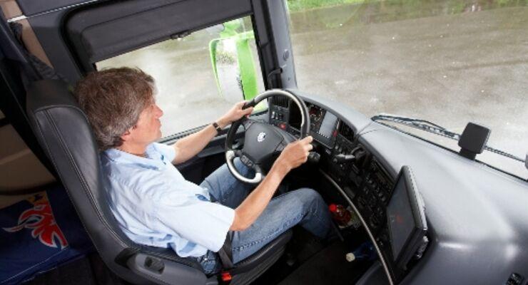 ADAC und Scania suchen sichersten Fahrer