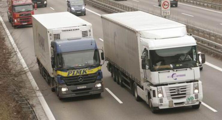 BASt: Sattelzüge machen Autobahnen zu schaffen