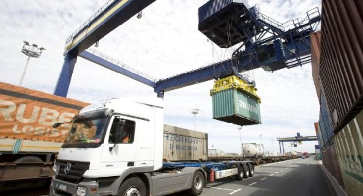 Bayernhafen schlägt mehr Güter um
