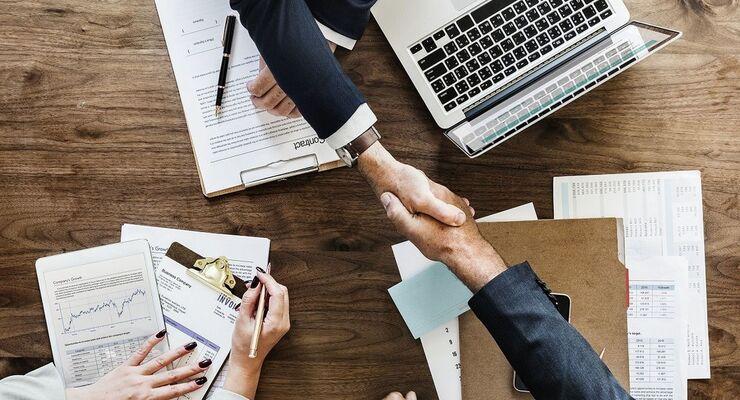 Beacon Invest, Unternehmensnachfolge, Business, Meeting, Vertrag