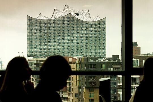 Blick vom KLU_auf die Elbphilharmonie