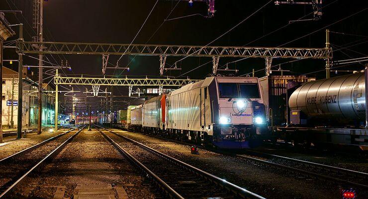 Brenner, Bahnhof, Nacht, Kombiverkehr