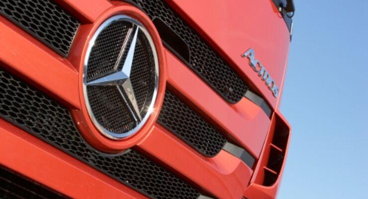 Daimler stellt auf Kurzarbeit um