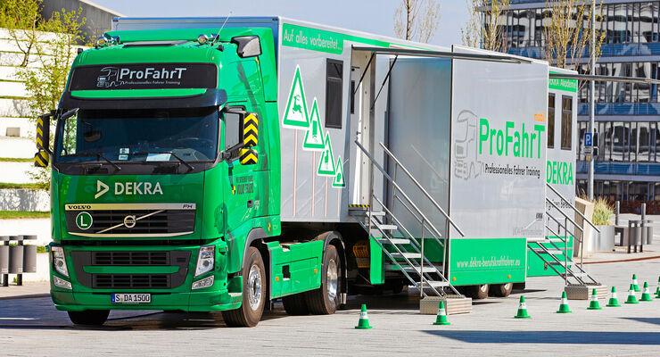 FERNFAHRER Sonderheft Extratour 2012 Ausbildung Dekra-Hightech-Simulator die Profis trainieren