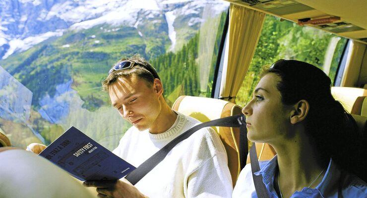 Fernbus, Passagiere, Alpen, Volvo