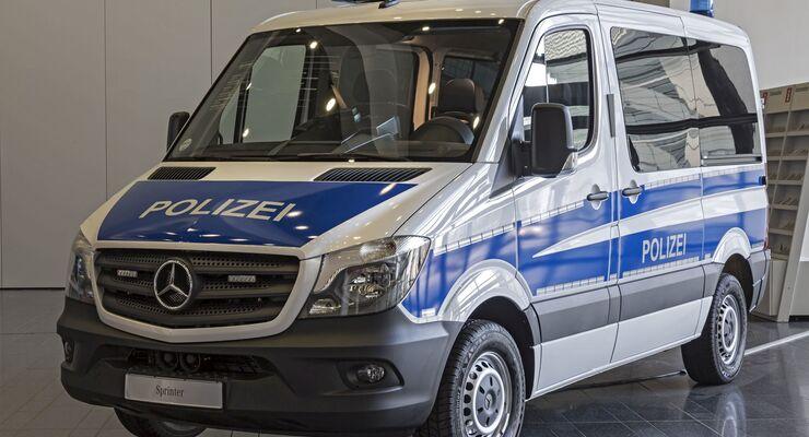 Freund und Transporthelfer: Rund 1000 Sprinter für die Bereitschaftspolizei
