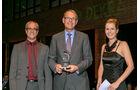 Gesamtwertung: Midibusse, v. li.: Thomas Rosenberger, Hartmut Schick, Evobus GmbH, Alexandra von Lingen
