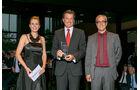 Gesamtwertung: Reisehochdecker, v. li.: Thomas Rosenberger, Dr. Wolfgang Bernhard, Daimler AG, Alexandra von Lingen