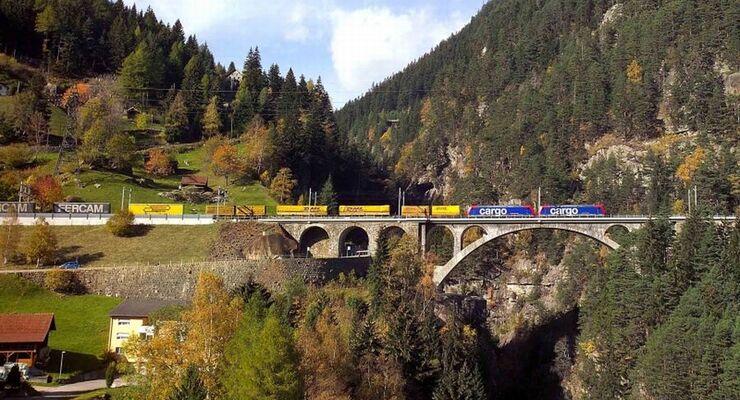 Kombinierter Verkehr am Gotthard