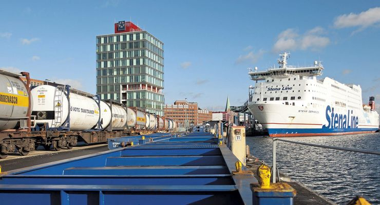 Kombiverkehr, Kiel, Stenaline, Zugverladung