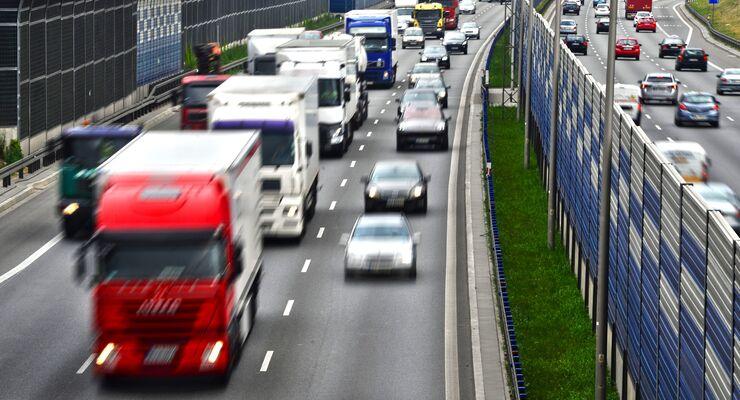 Lkw, Autobahn, Güterverkehr, Stau