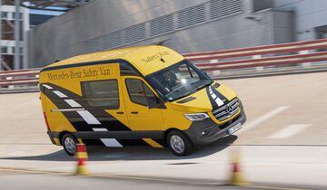 Mercedes-Benz Van Testing