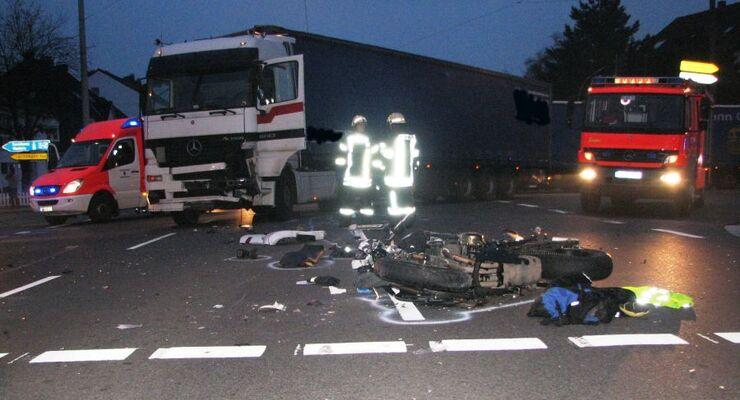 Polizei, Unfall, Nacht