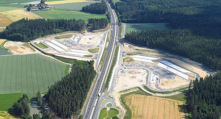 Ramsauers Verkehrsministerium: Rastanlagen in staatlicher Konzession schršpfen Autofahrer und Steuerzahler / Vier bayerischen Autohšfen platzt wegen ŸberflŸssigen RaststŠtten-Neubauten der Kragen
