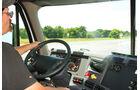 Rekordfahrt in den USA, Cockpit