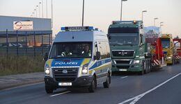 Report BF4-Fahrzeuge, Schwertransport, polizeiähnliche Befugnisse. FF 10/2017.