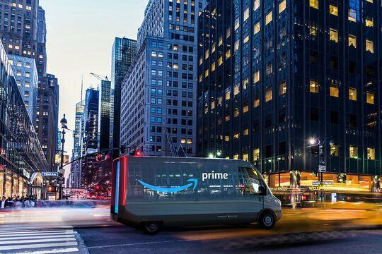 Rivian E-Lieferwagen von Amazon auf Tour