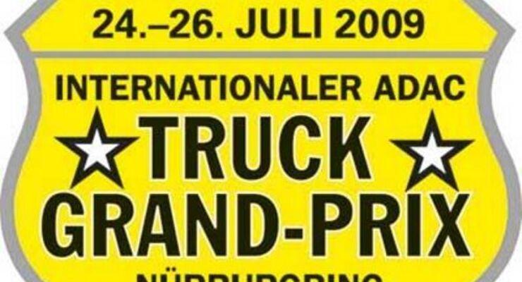 Sasha spielt auf dem Truck Grand-Prix