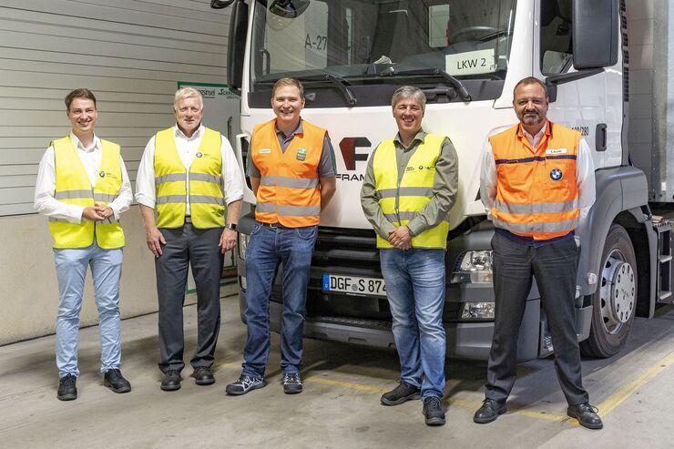 Setzen auf Strom (v.l.): André Beuchold (Framo), Cersten Hellmich und Ties Babbe (Schnellecke), Bernhard List (Framo), Stefan Krupp (BMW).