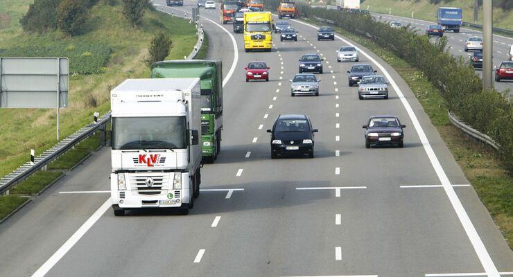 Straßengüterverkehr lässt Talsohle hinter sich