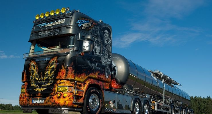 Supertruck FERNFAHRER 09-2010, Scania R 620 Smokey and the Bandit von Tommy Nilsson, Truck