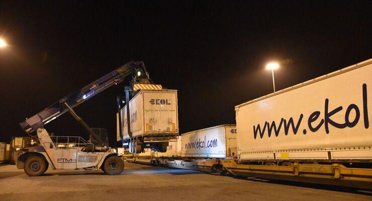 TX Logistik, Ekol, KV-Verbindung