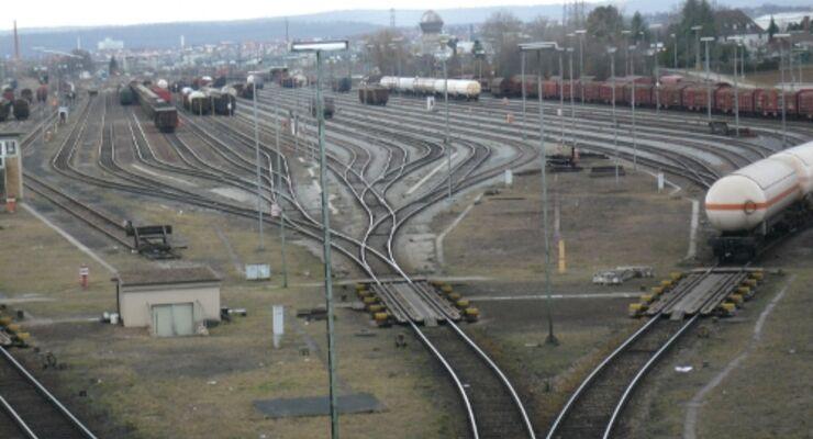 Tiefensee: 517 Millionen Euro für Schiene